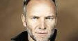 Music video by Sting performing Desert Rose. (C) 1999 A&M Records