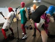 Мировые звезды требуют свободы для Pussy Riot